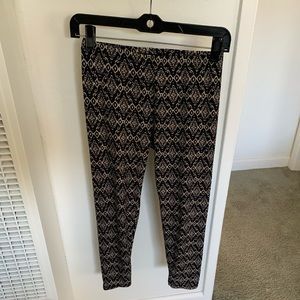 Super soft patterned leggings in amazing condition